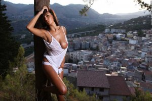 Daliah escort in Peiting