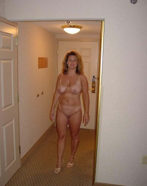 Charlotte private escort in Munster